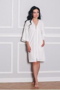 Велюровый халат с кружевными рукавами
